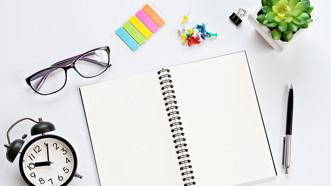 Still life_desk_writing_office_supplies