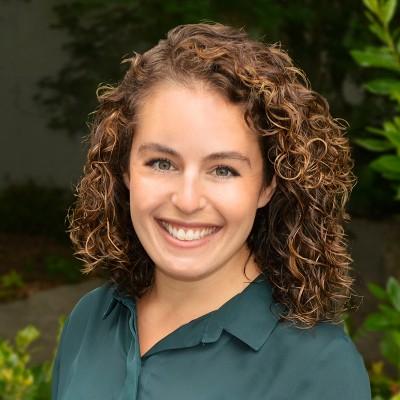 JulieAnne Behar Headshot