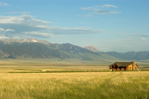 House with mountains in the background in Montana